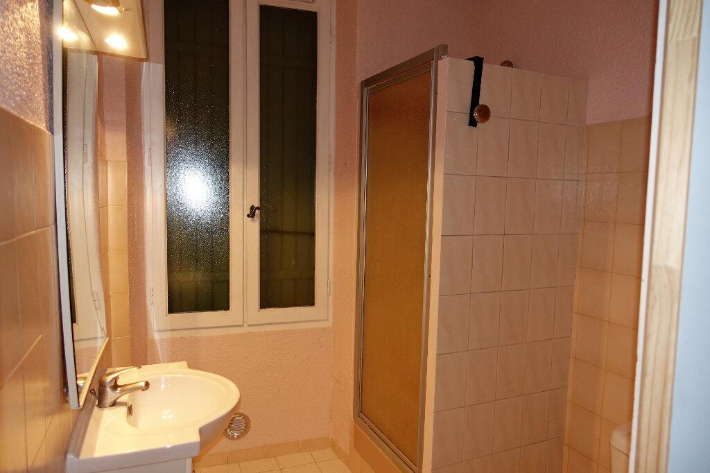 Maison à louer 3 74.9m2 à Bollène vignette-7