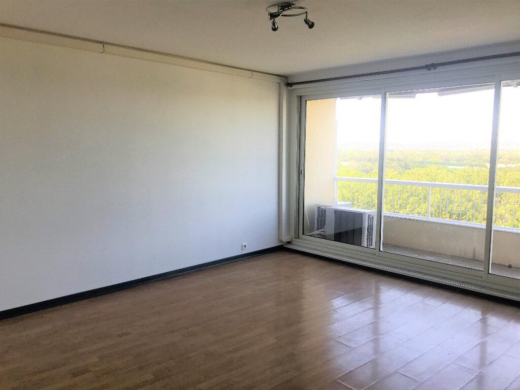 Appartement à louer 4 72.38m2 à Mondragon vignette-5