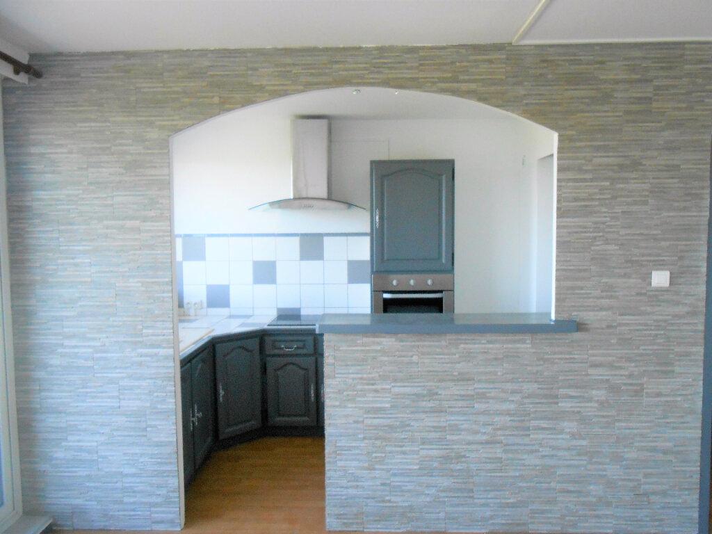 Appartement à louer 4 72.38m2 à Mondragon vignette-6