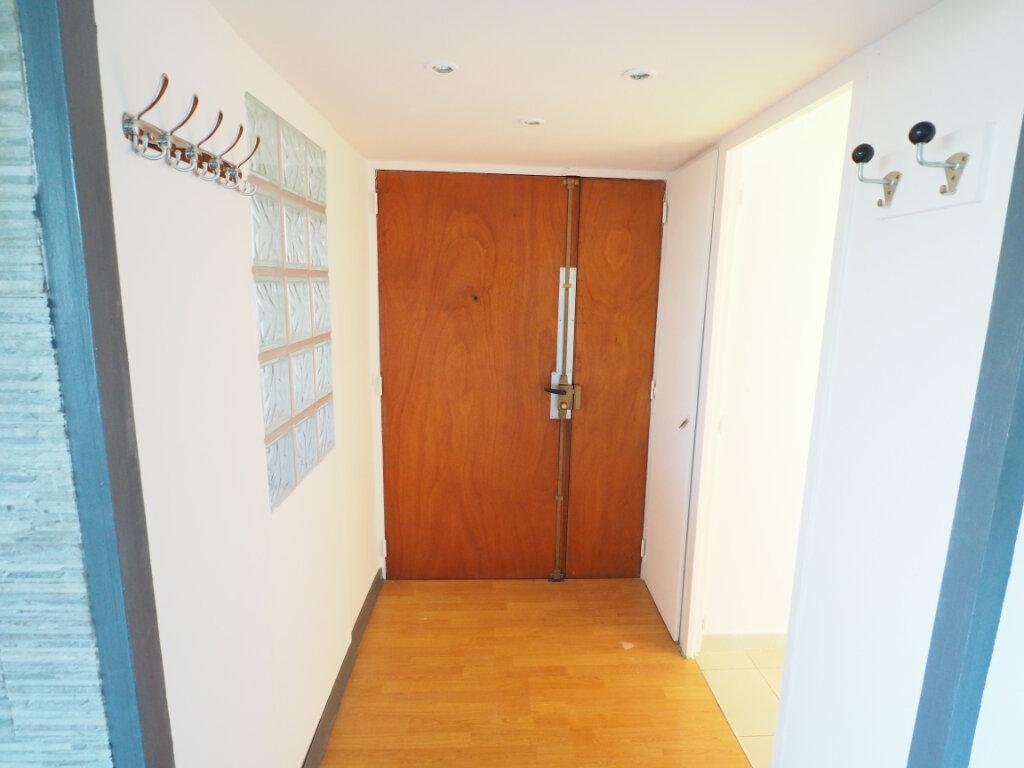 Appartement à louer 4 72.38m2 à Mondragon vignette-8