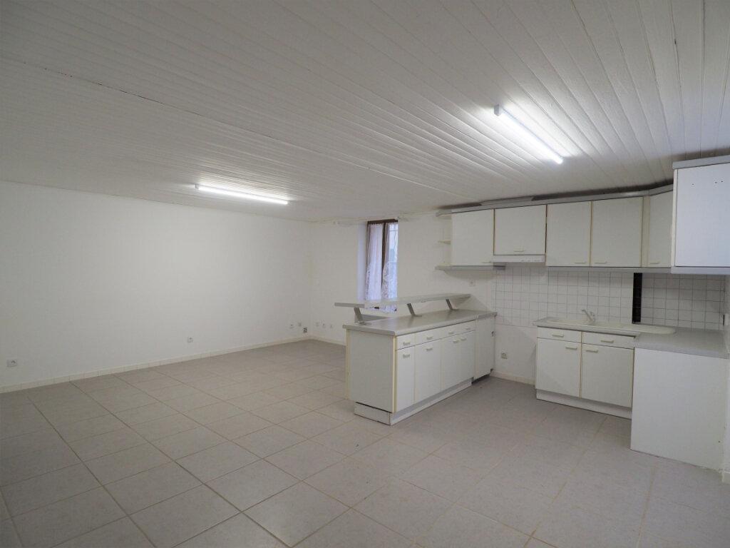 Maison à louer 5 103.9m2 à Lapalud vignette-2