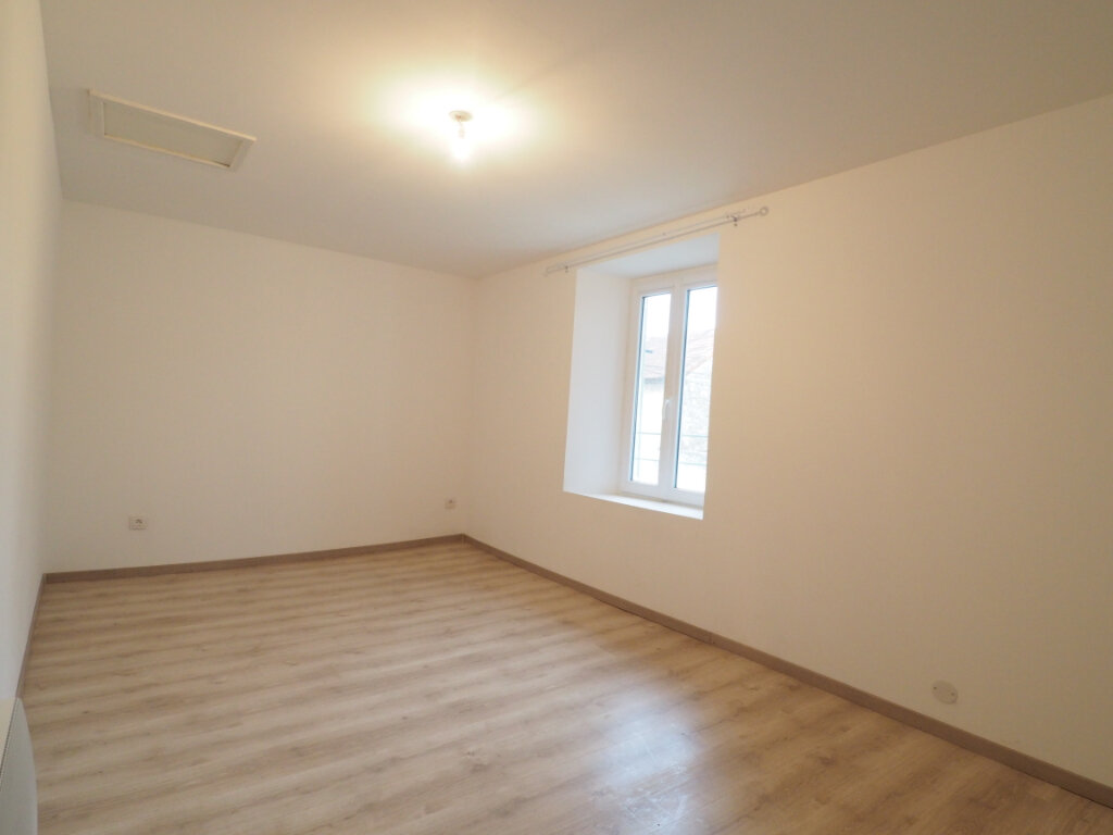Maison à louer 5 103.9m2 à Lapalud vignette-5
