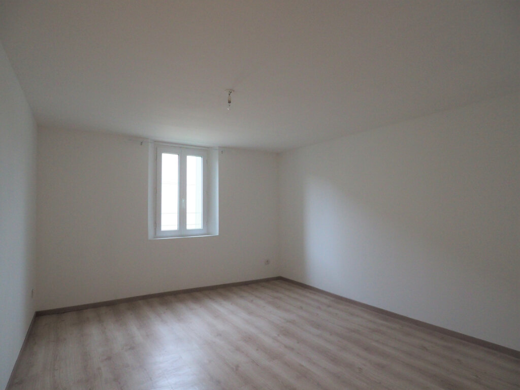 Maison à louer 5 103.9m2 à Lapalud vignette-6