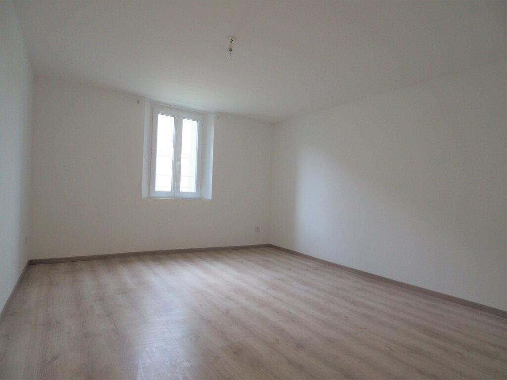 Maison à louer 5 103.9m2 à Lapalud vignette-10