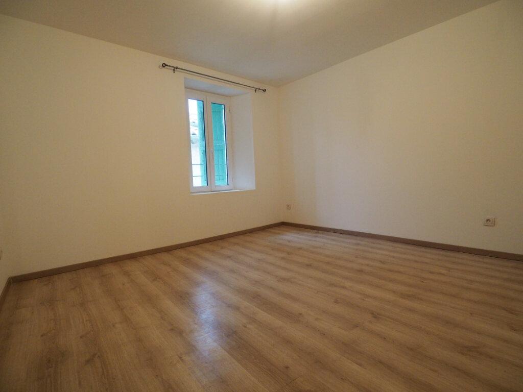Maison à louer 5 103.9m2 à Lapalud vignette-16