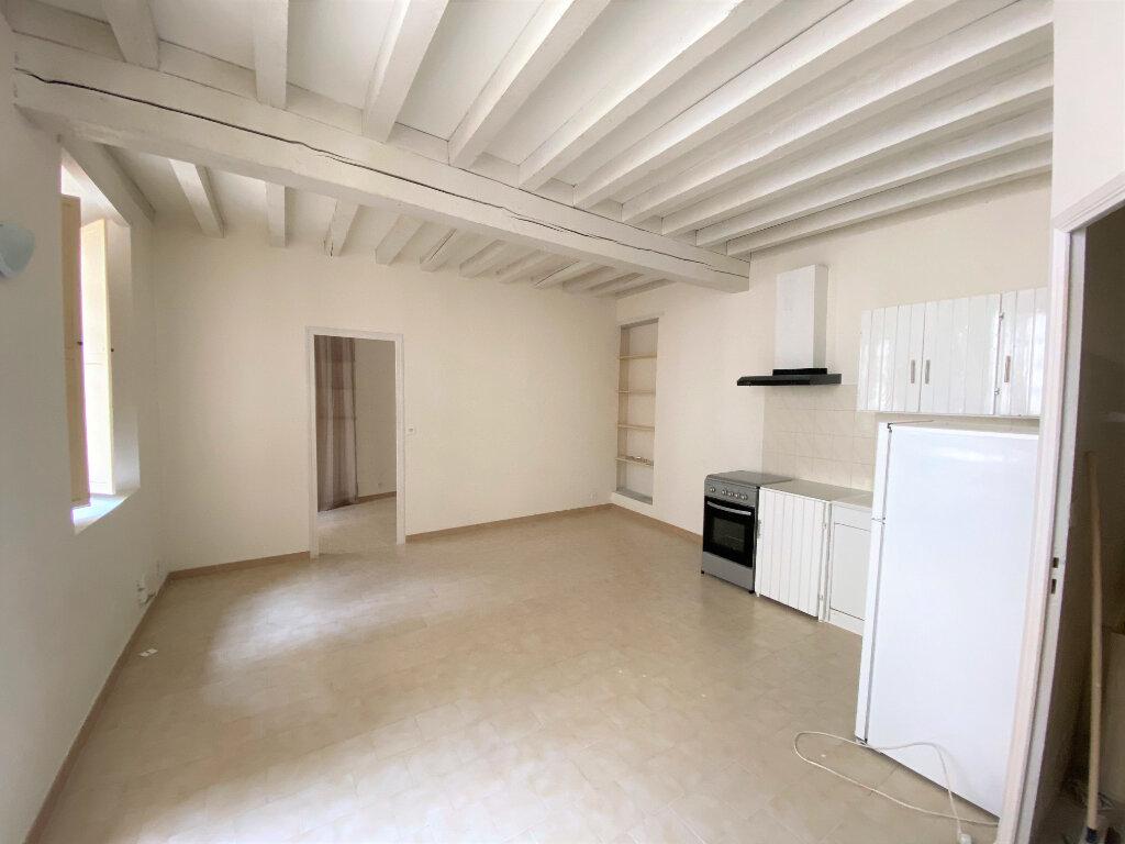 Appartement à louer 2 38.8m2 à Bollène vignette-1