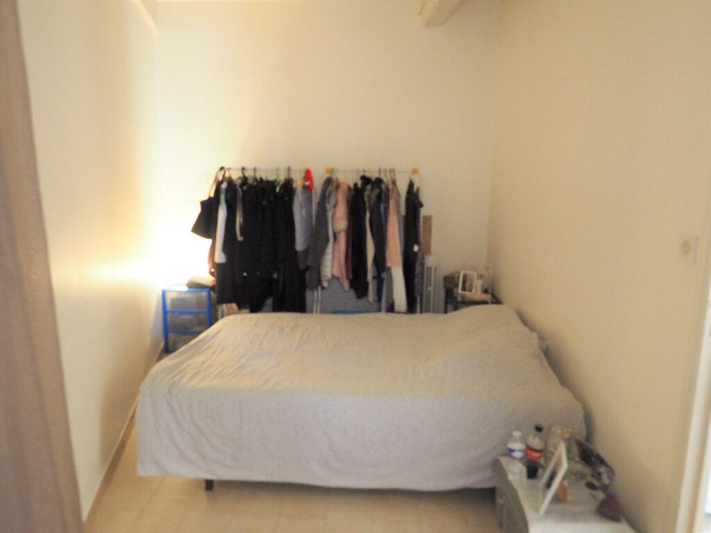 Appartement à louer 2 38.8m2 à Bollène vignette-6