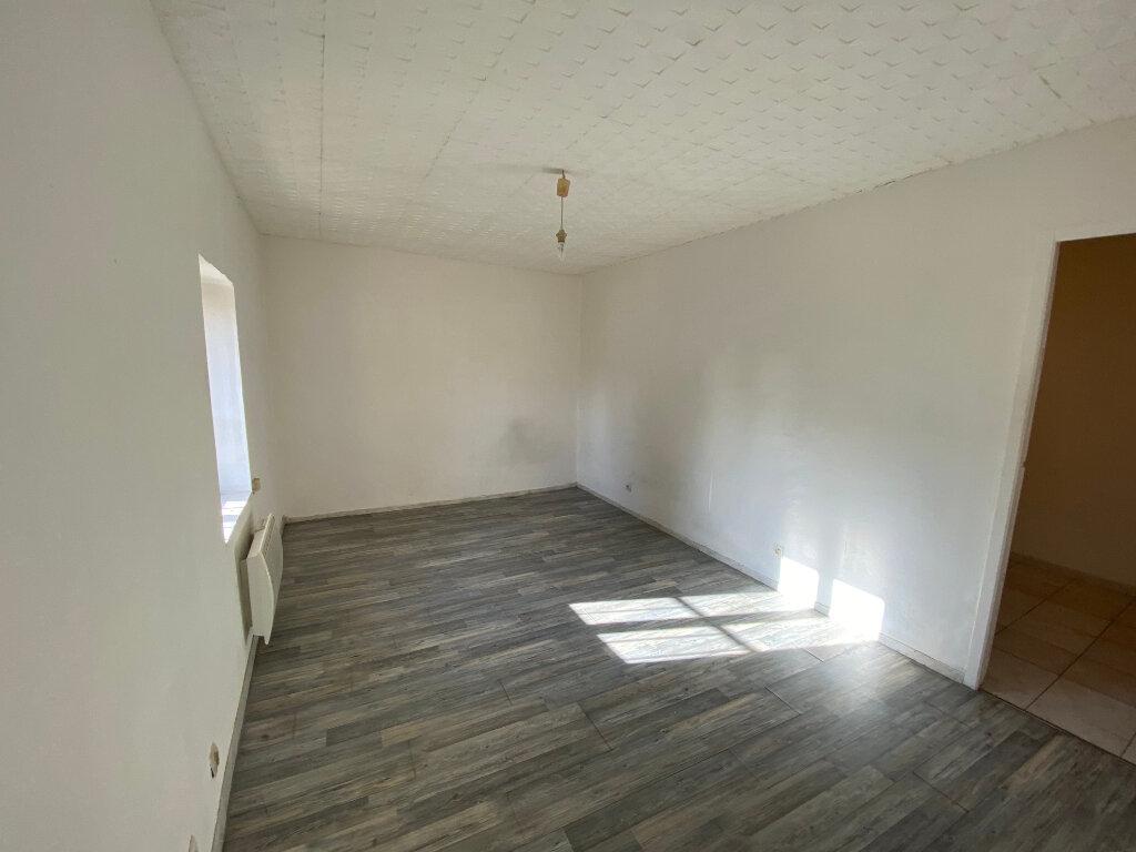 Appartement à louer 3 52m2 à Bollène vignette-3