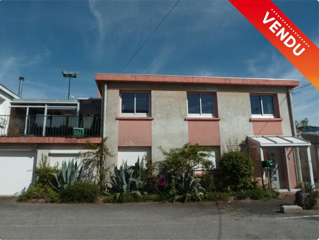 Maison à vendre 5 130m2 à Quimper vignette-1