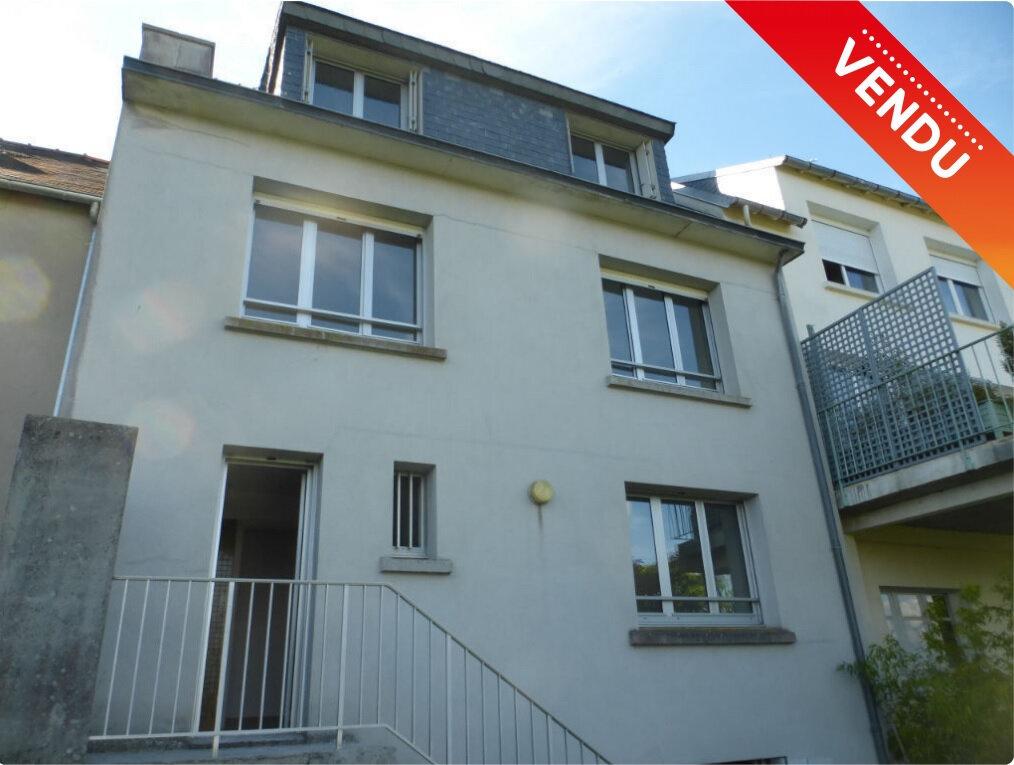 Maison à vendre 6 147.12m2 à Quimper vignette-1