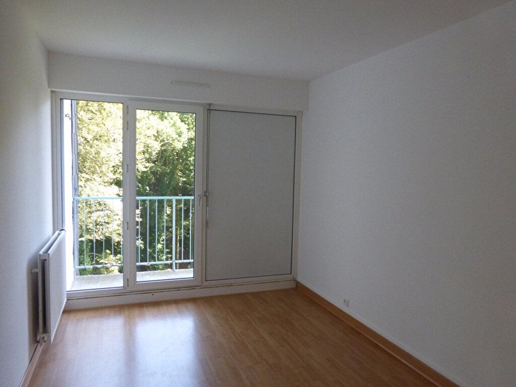 Appartement à louer 3 63m2 à Quimper vignette-3