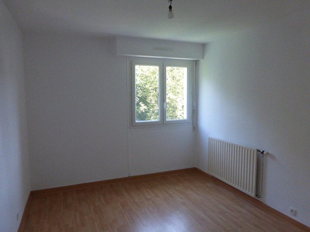 Appartement à louer 3 63m2 à Quimper vignette-4