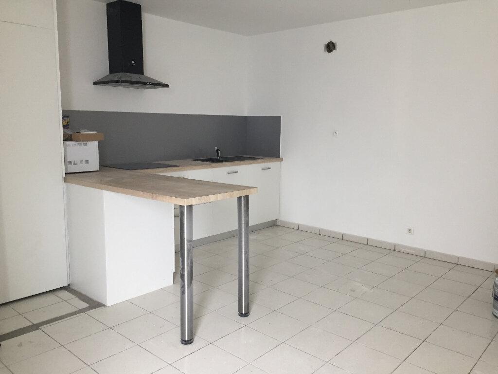 Appartement à louer 2 43.42m2 à Quimper vignette-2