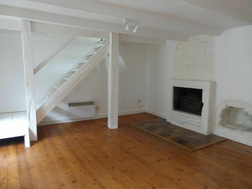 Appartement à louer 3 54.01m2 à Quimper vignette-2
