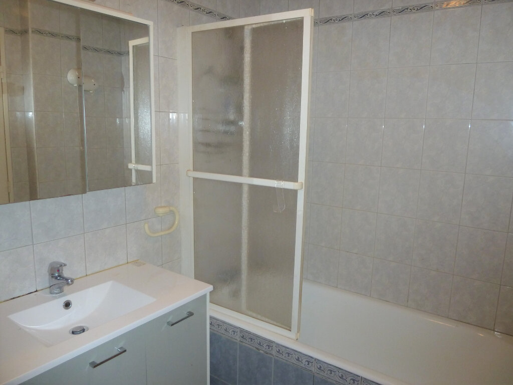 Appartement à vendre 2 53.72m2 à Quimper vignette-4