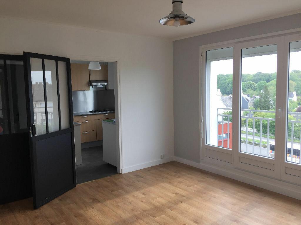 Appartement à louer 2 38.77m2 à Quimper vignette-1