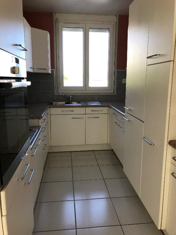 Appartement à louer 3 61.17m2 à Quimper vignette-1