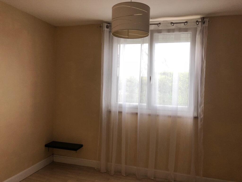 Appartement à louer 3 61.17m2 à Quimper vignette-5