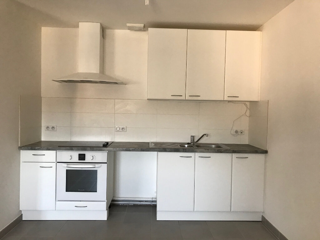Appartement à louer 4 108.58m2 à Quimper vignette-2