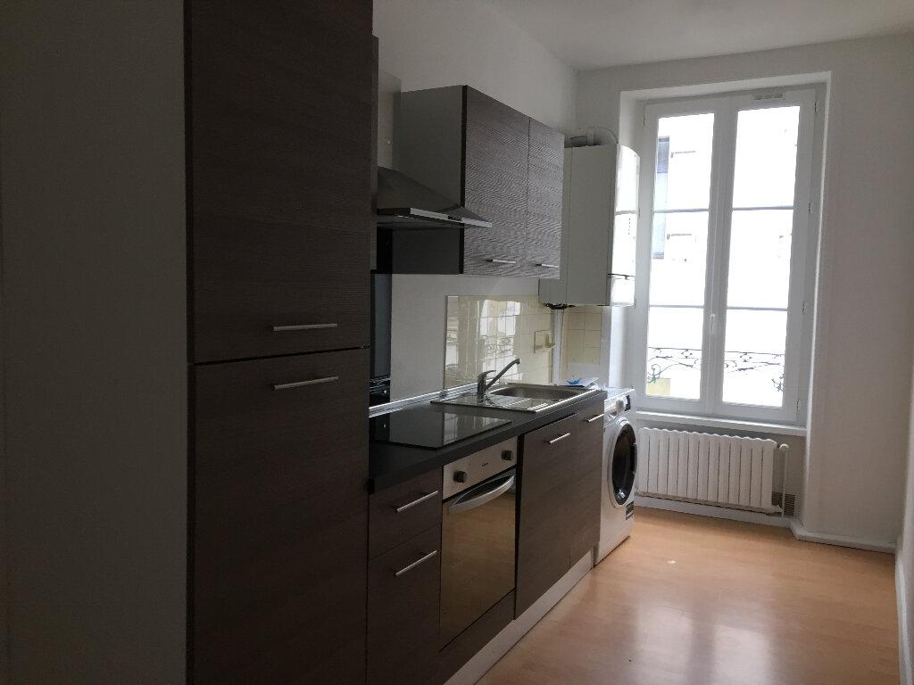 Appartement à louer 2 50m2 à Quimper vignette-1