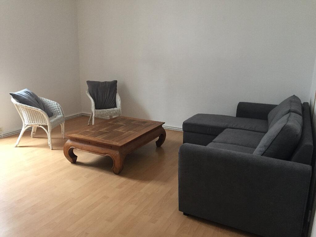 Appartement à louer 2 50m2 à Quimper vignette-2