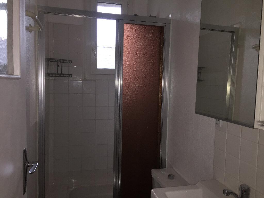Appartement à louer 2 50m2 à Quimper vignette-5