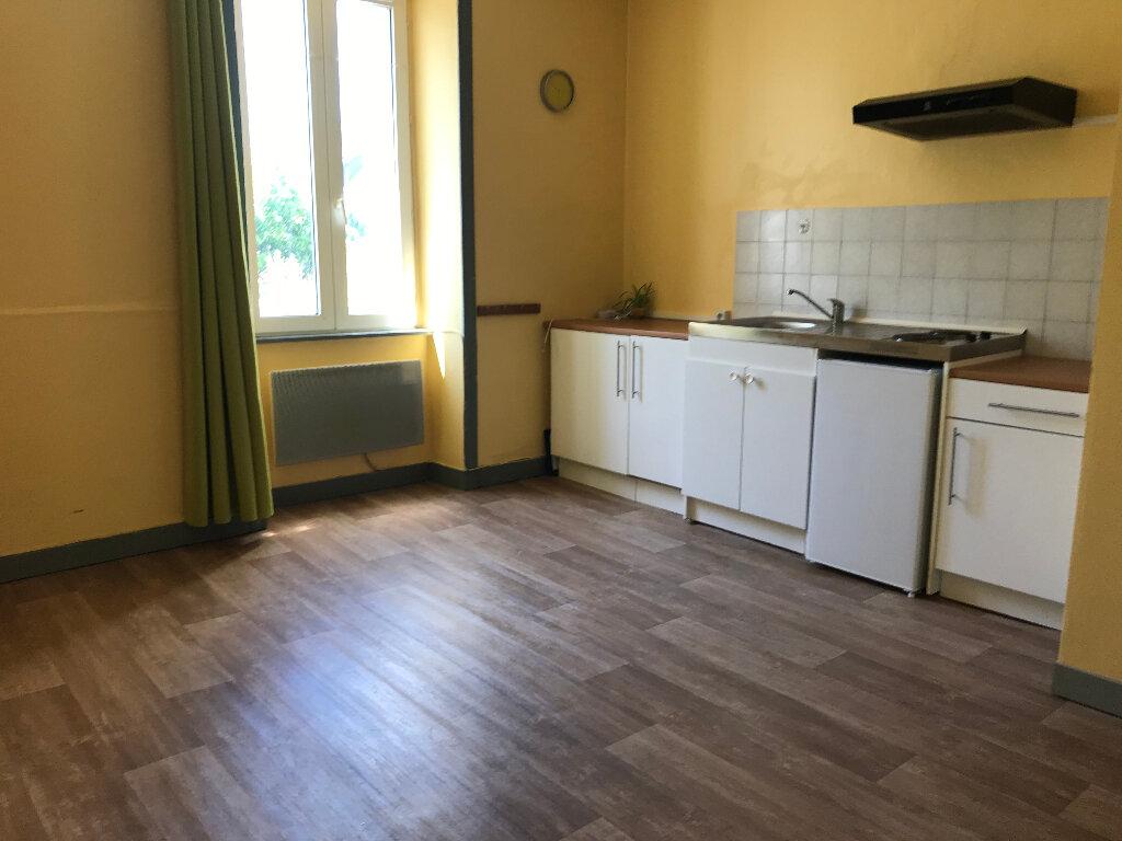 Appartement à louer 1 17m2 à Quimper vignette-1