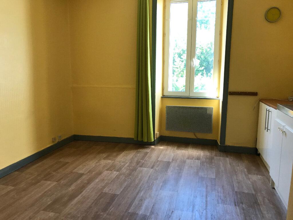 Appartement à louer 1 17m2 à Quimper vignette-3