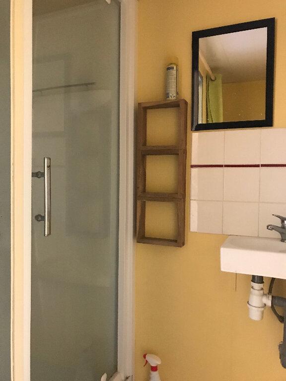 Appartement à louer 1 17m2 à Quimper vignette-4