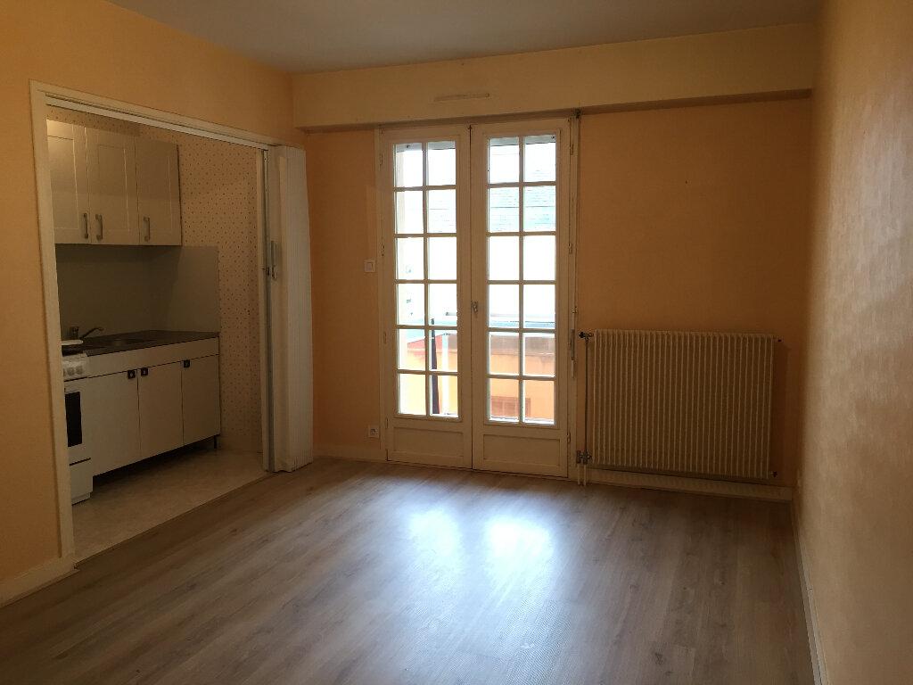 Appartement à louer 2 38m2 à Quimper vignette-1