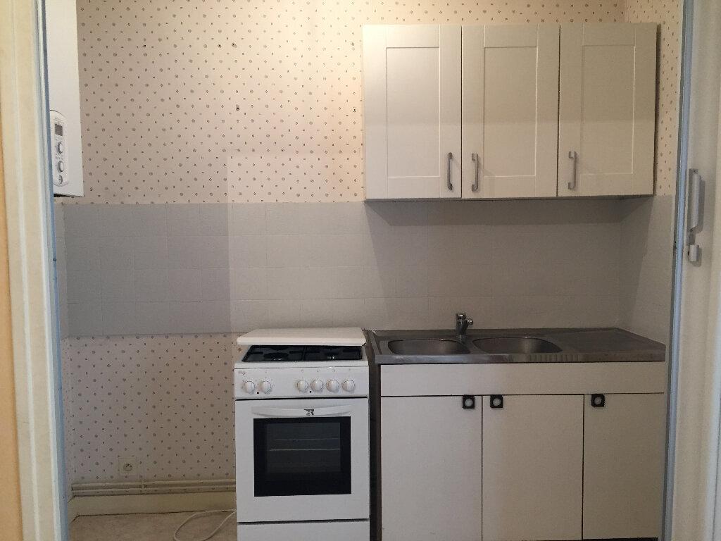 Appartement à louer 2 38m2 à Quimper vignette-3