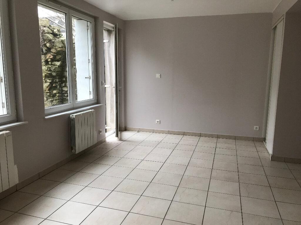Appartement à louer 1 28.25m2 à Quimper vignette-2
