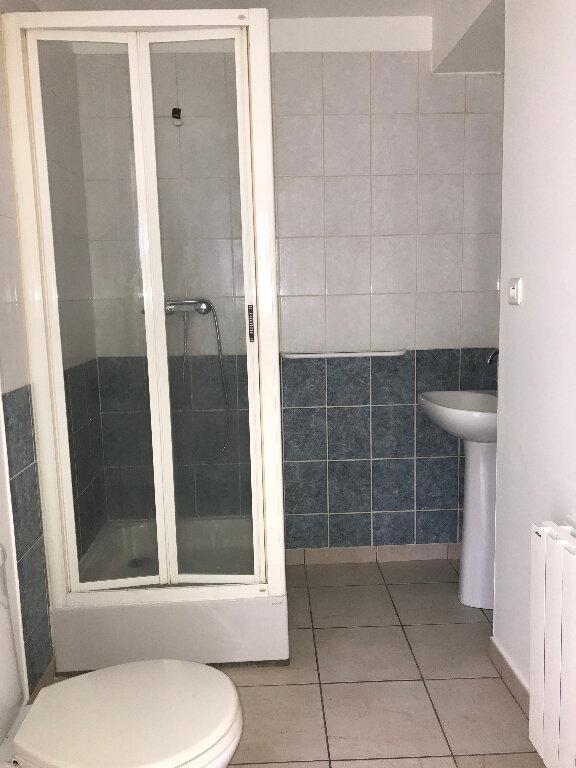 Appartement à louer 1 28.25m2 à Quimper vignette-5