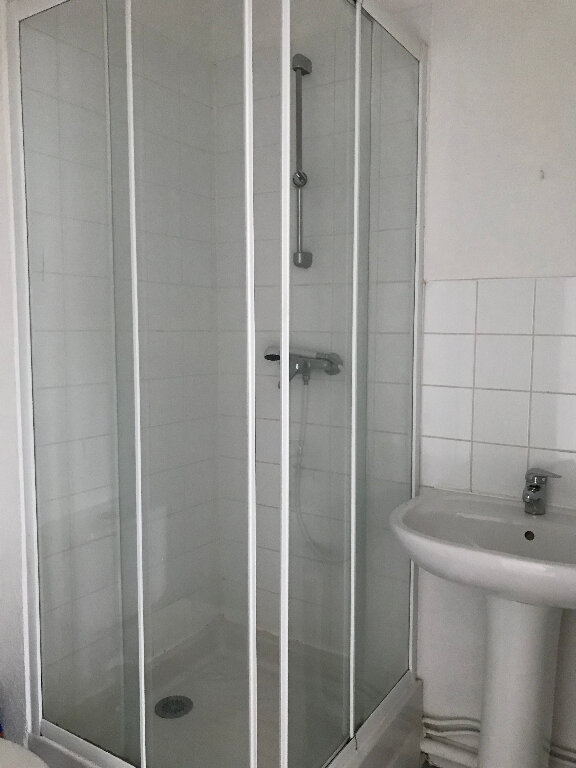 Appartement à louer 1 12.94m2 à Quimper vignette-4