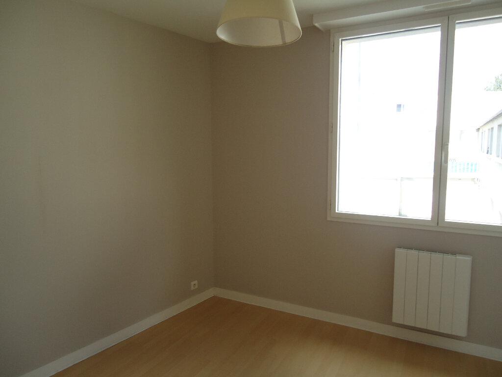 Appartement à louer 2 35.86m2 à Quimper vignette-3