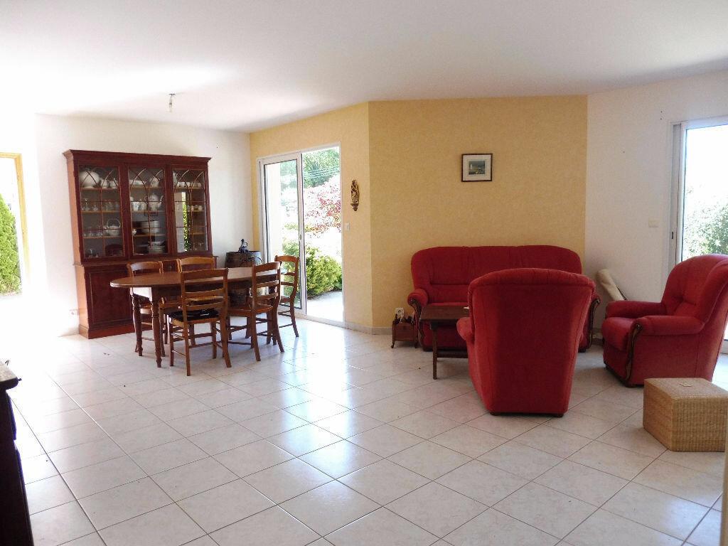 Maison à vendre 7 185m2 à Pleuven vignette-4