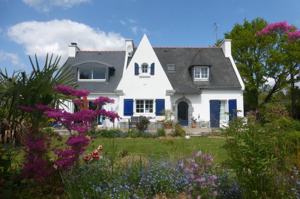 Maison à vendre 6 151.7m2 à Saint-Évarzec vignette-1