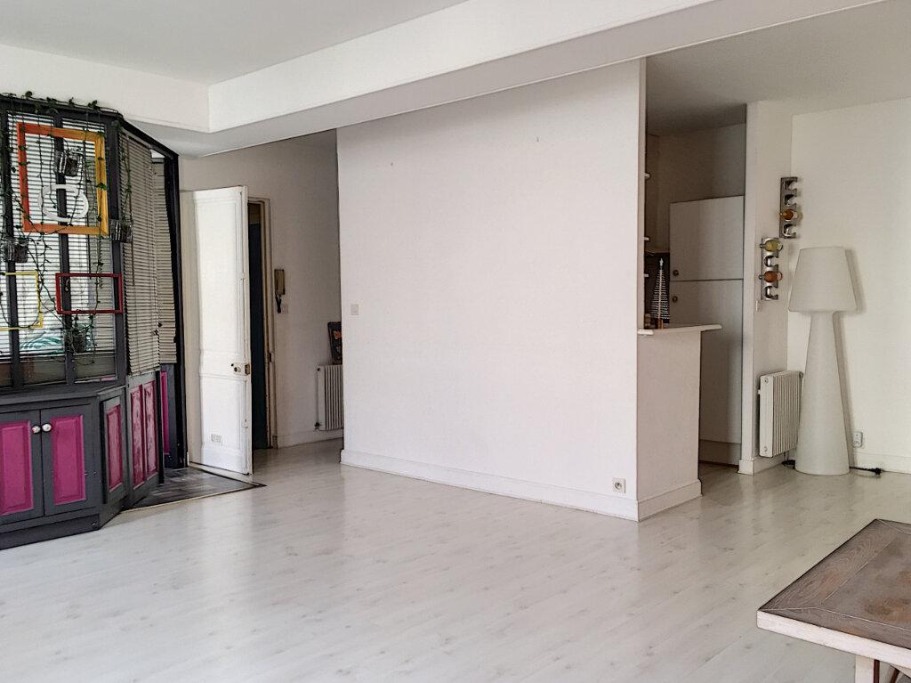 Appartement à vendre 4 84m2 à La Rochelle vignette-2