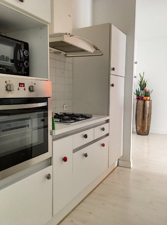 Appartement à vendre 4 84m2 à La Rochelle vignette-4
