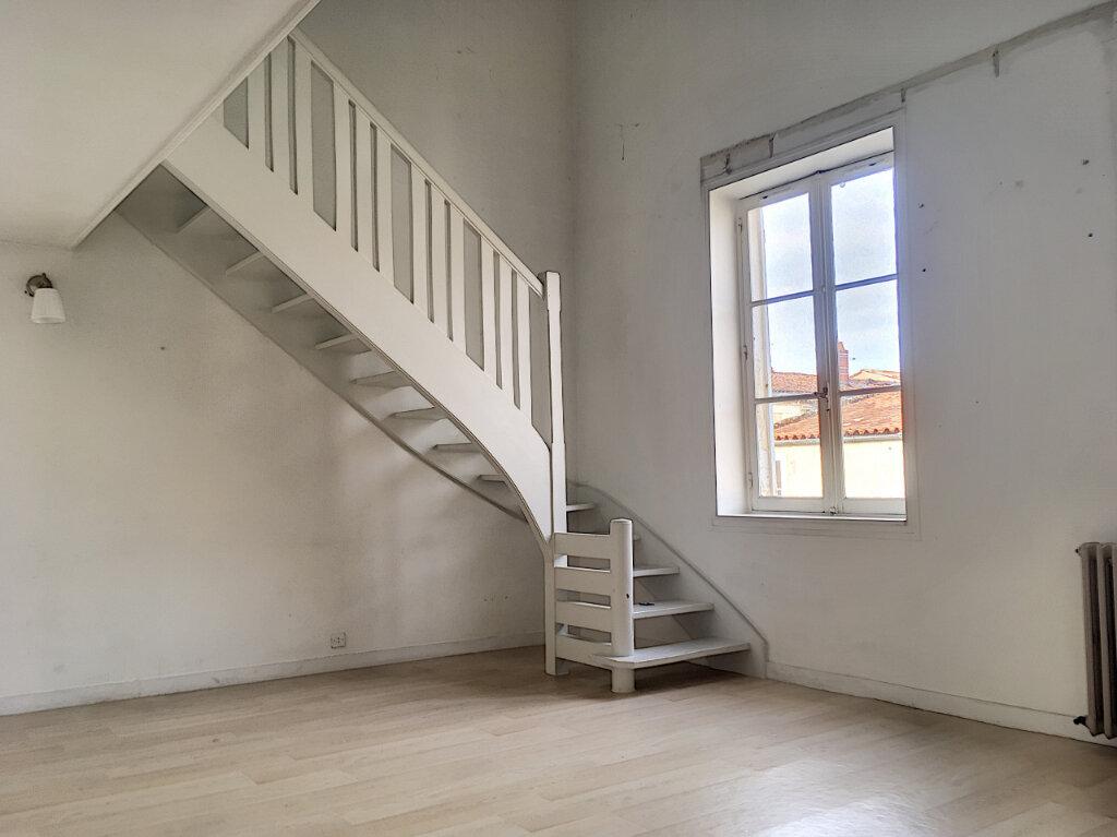 Appartement à vendre 4 89.5m2 à La Rochelle vignette-2