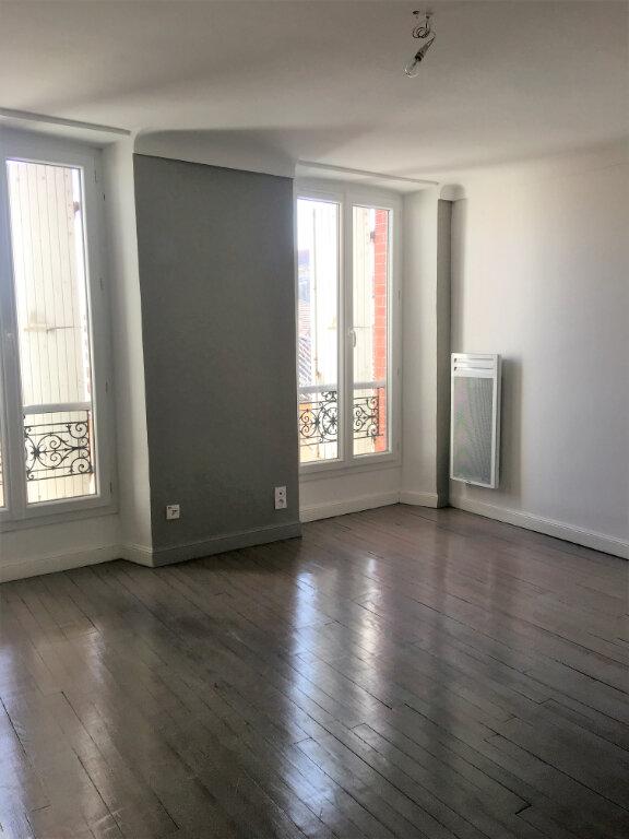 Appartement à louer 3 71m2 à Laragne-Montéglin vignette-1