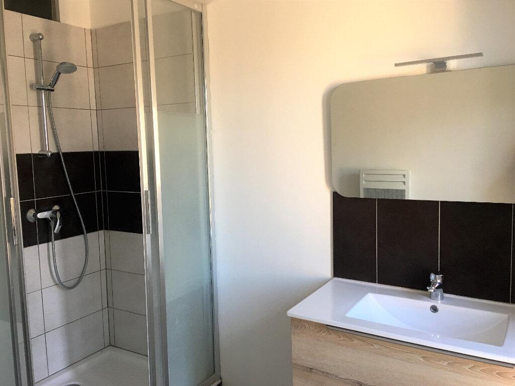 Appartement à louer 3 71m2 à Laragne-Montéglin vignette-6