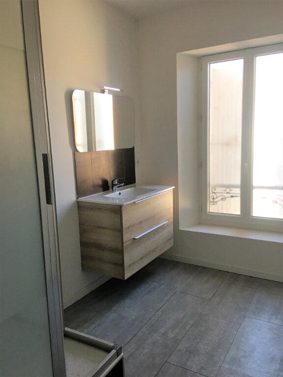 Appartement à louer 3 71m2 à Laragne-Montéglin vignette-7