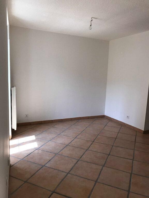 Appartement à louer 3 45m2 à Laragne-Montéglin vignette-3