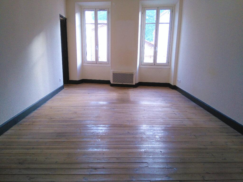 Appartement à louer 4 94m2 à Laragne-Montéglin vignette-2