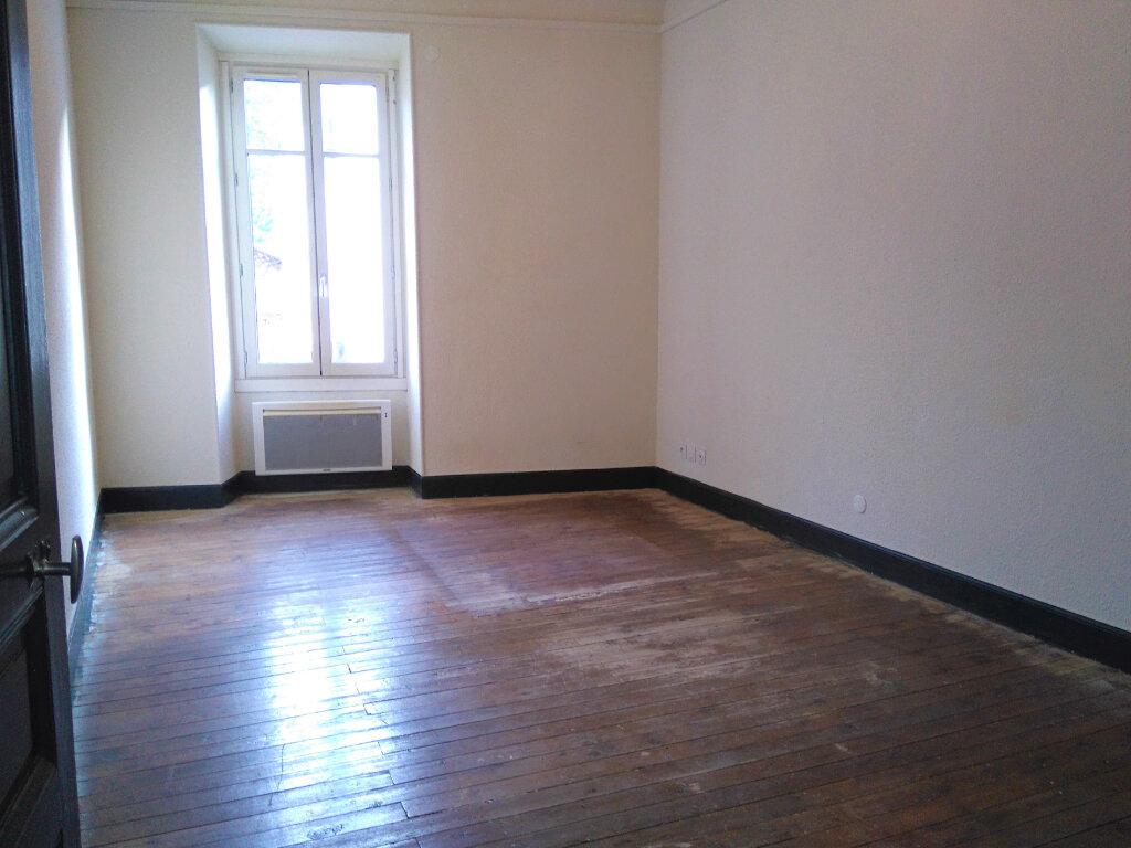 Appartement à louer 4 94m2 à Laragne-Montéglin vignette-5