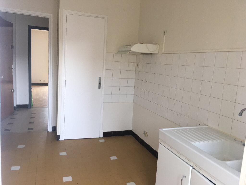 Appartement à louer 4 80m2 à Laragne-Montéglin vignette-4