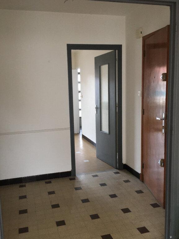 Appartement à louer 4 80m2 à Laragne-Montéglin vignette-10