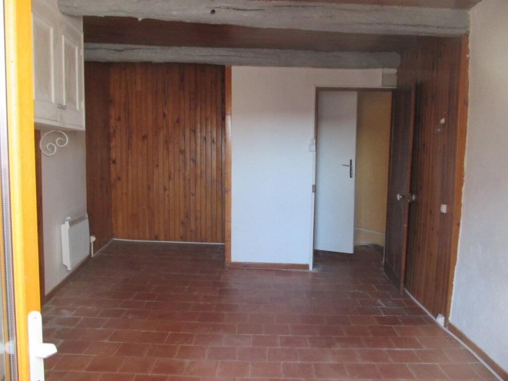 Appartement à louer 2 55m2 à Châteauneuf-de-Chabre vignette-5