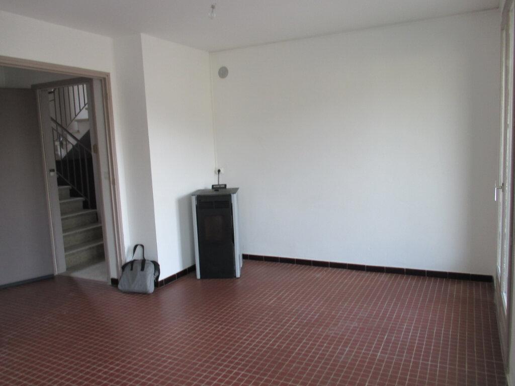 Appartement à louer 4 65m2 à Serres vignette-2
